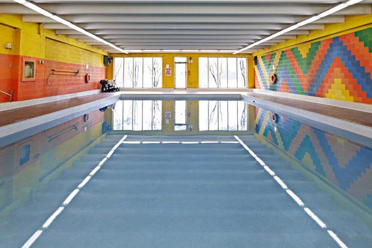 210 220 Steeles Pool 02